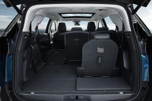 Peugeot 5008 de 7 plazas interior, 2 asientos desplegados